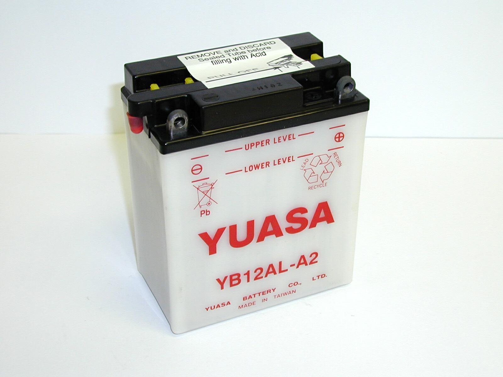 Batterie moto Yuasa...